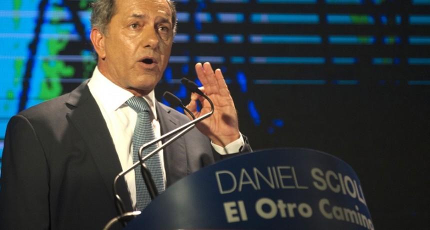 Scioli ya arrancó la campaña: