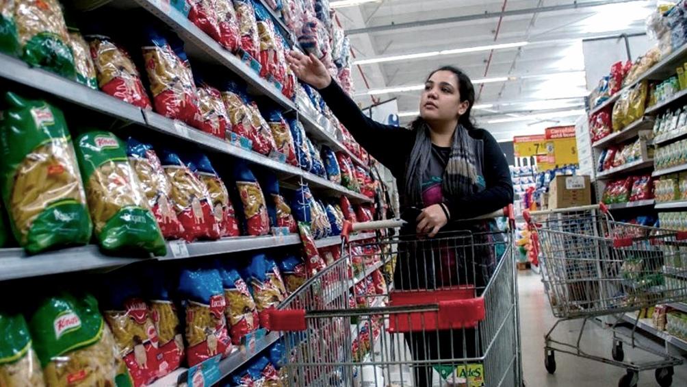 El Gobierno lanzó un acuerdo de precios por 6 meses y frenará las tarifas hasta diciembre