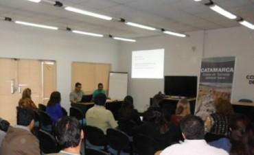 Turismo se reunió con municipios y empresas que participarán del Poncho 2015