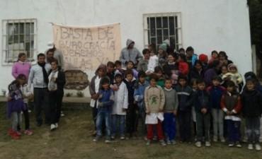 Escuela tomada por una Semana en Rincón