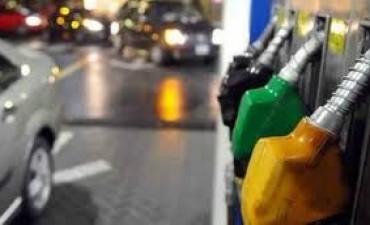 Cargar nafta será un 1,5% más caro desde hoy