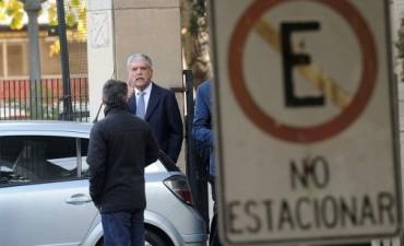 Delgado pidió procesar a De Vido por la compra de