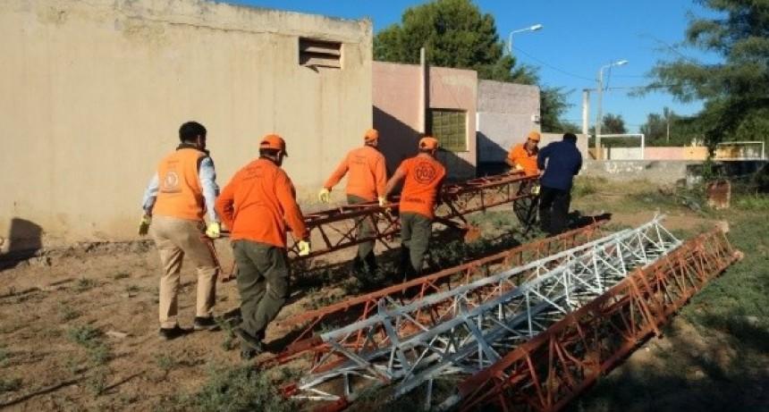 Defensa Civil recibió una torre de comunicación donada por la empresa Telecom