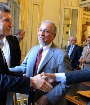 Macri recibió a senadores peronistas