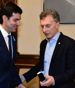 Urtubey visitó a Macri en la Rosada y apoyó un