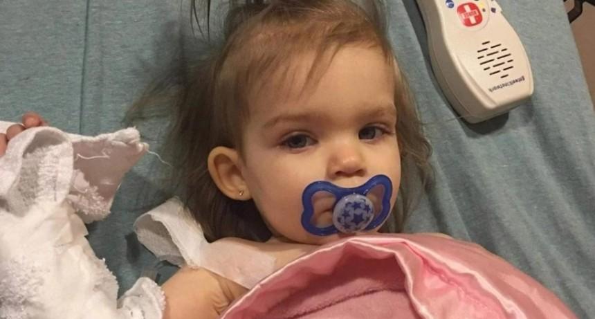 Una mujer se negó a ayudar a una niña con cáncer por ser hija de lesbianas