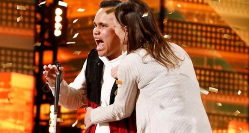 Así fue la asombrosa actuación de un concursante ciego y autista en America's Got Talent que da la vuelta al mundo
