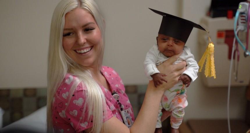 La bebé más pequeña del mundo nació en Estados Unidos: midió 23 centímetros y pesó lo mismo que una manzana