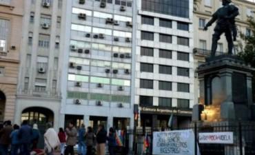 Pueblos originarios repudian  homenaje de Macri a fundador de Buenos Aires
