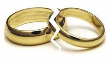 Hay 15 divorcios por día y el pico de las crisis de pareja es a los 40