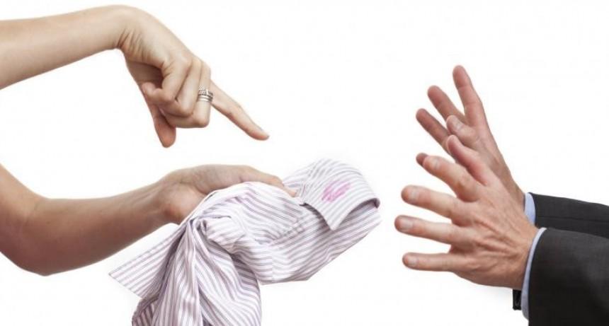 Los 4 signos que se verán tentados por un amor prohibido este mes