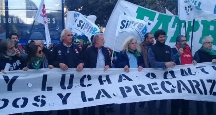 Trabajadores de prensa se movilizaron para reclamar por paritarias y contra los despidos