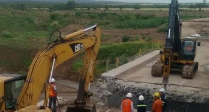 Ruta 64: continúa la reparación de alcantarillas