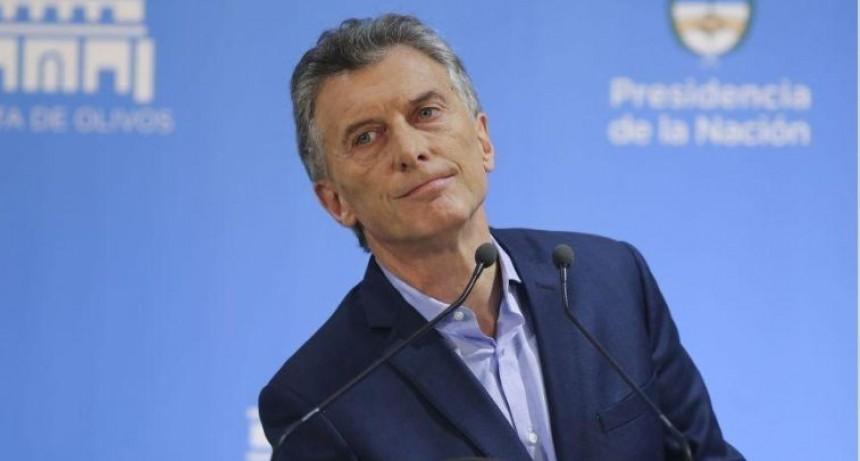 Macri toma juramento a los nuevos ministros