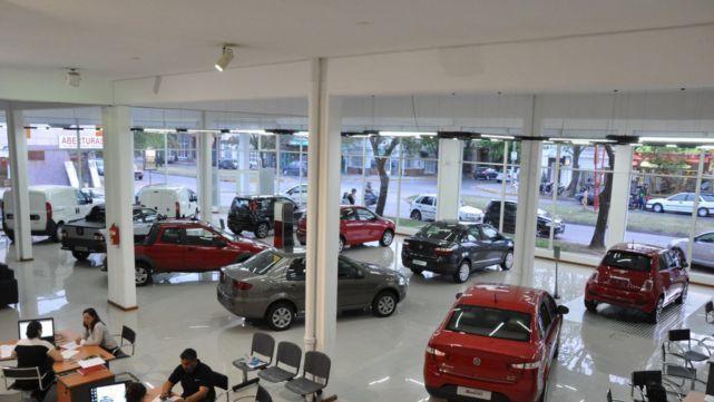 Cae la venta de autos en todo el país por la incertidumbre económica