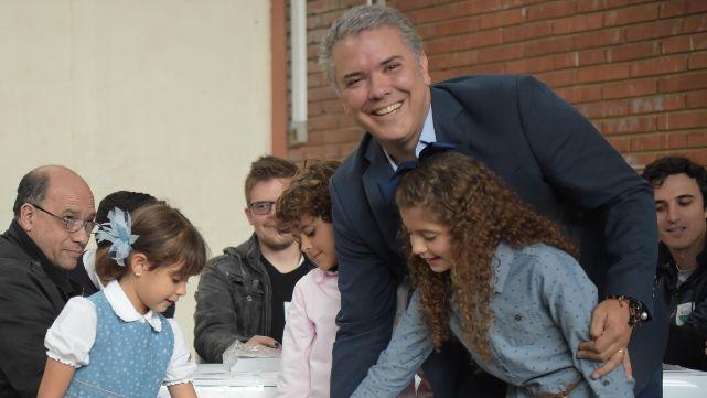 Duque ganó el balotaje y la derecha recupera el poder en Colombia