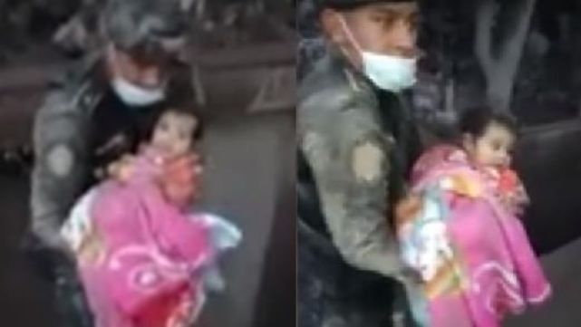 Emocionante rescate de bebitatras la erupción del volcán de Guatemala
