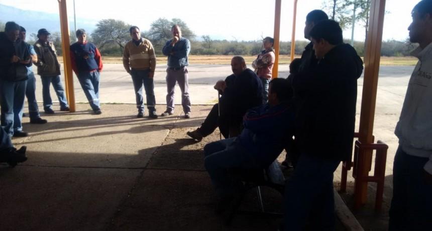 Dilema de los trabajadores de Alpargatas por la comercialización de la fábrica
