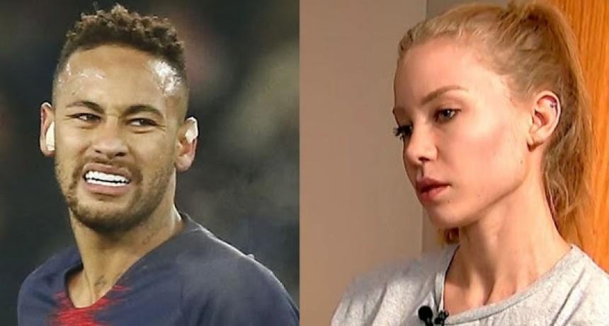Se filtró un fuerte chat entre la mujer que denunció a Neymar y su exabogado