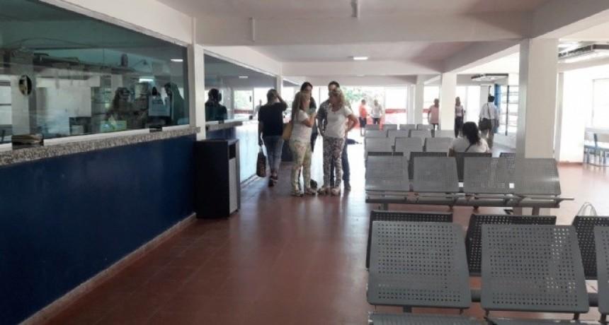 Inhumano: 12 horas de espera para un turno en el Hospital San Juan Bautista