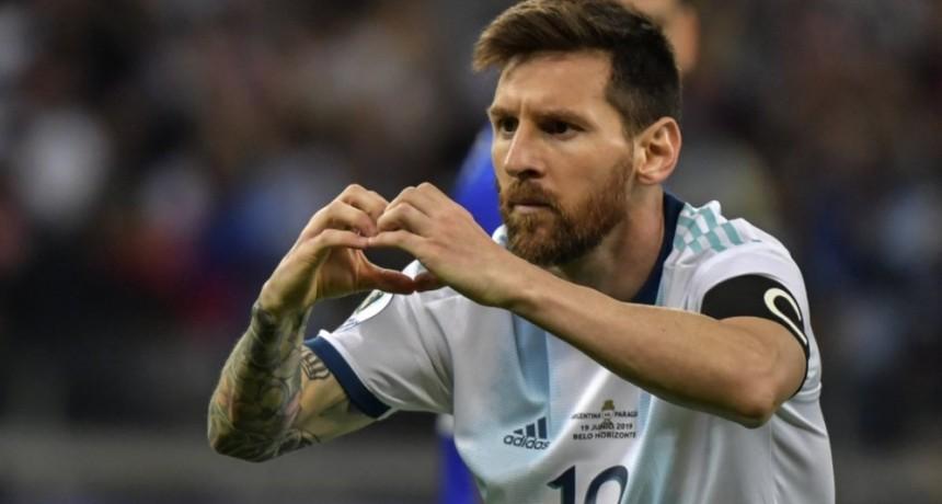 Le escribió borracho a Messi y su mensaje estalló: Sacanos de ésta por favor