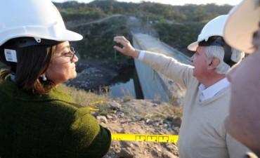 Lucía inauguró obras y lanzó la construcción del acueducto