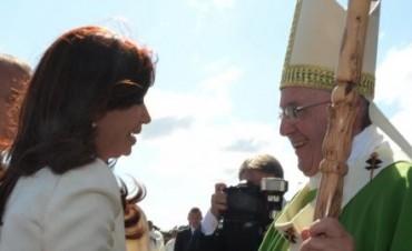 La Presidente sorprendió al Papa con un regalo que evocó a