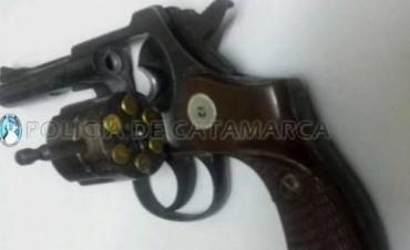 """Violenta gresca entre """"barrabravas"""" de Policial y Villa Cubas"""