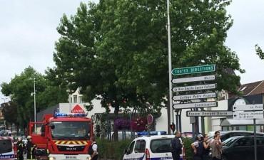 Al menos un muerto y un herido grave en una toma de rehenes con cuchillos en una iglesia en Francia