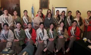 Hoy se elige la soberana del Poncho 2017