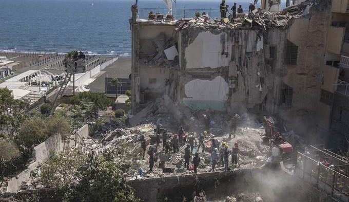 8 muertos por trágico derrumbe de edificio en Italia