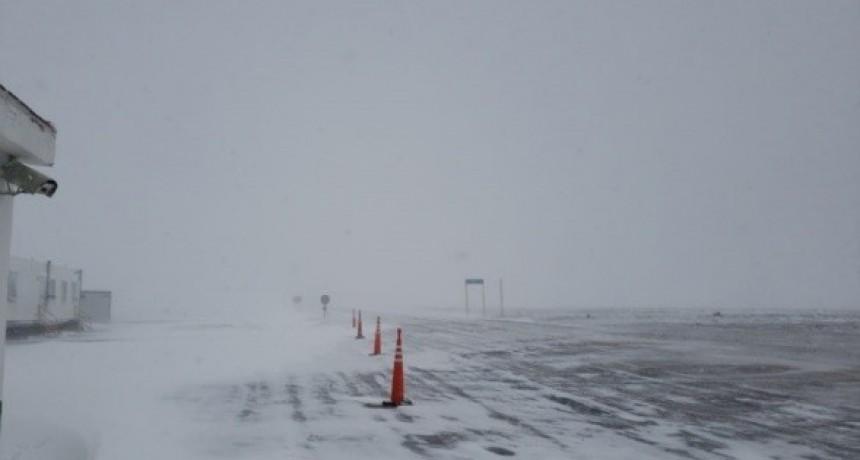 Por nevadas intensas, el Paso de San Francisco está intransitable
