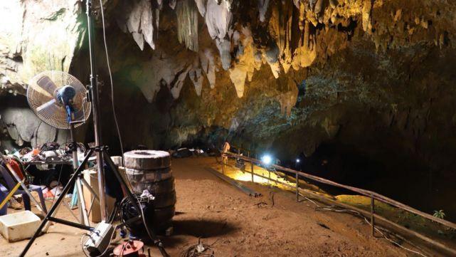 Tailandia busca aprovechar la cueva inundada para fomentar el turismo