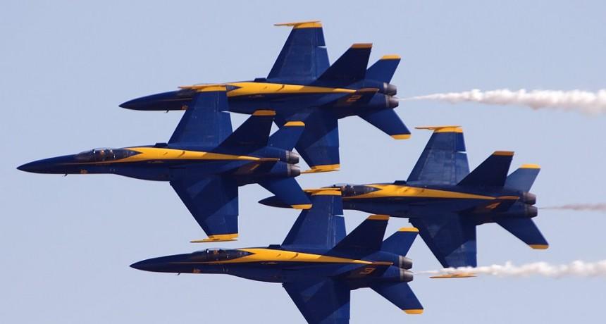 Los Blue Angel de la armada se preparan para el día de la Independencia en EEUU