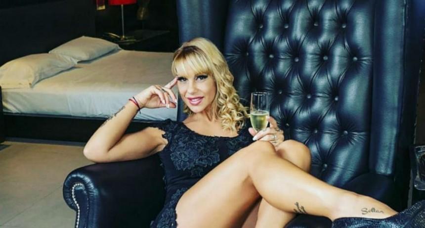 Mónica Farro se aburrió del domingo y posteó una foto hot desde Catamarca