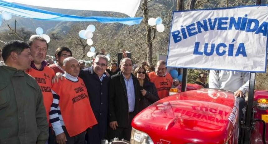 Corpacci entregó maquinarias en Capayán y volvió a criticar al gobierno Nacional