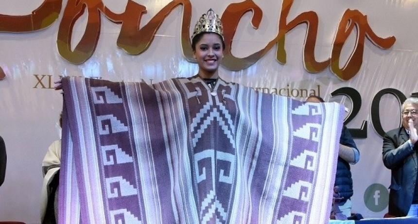 Se entregaron los premios a los mejores artesanos del Poncho 2019