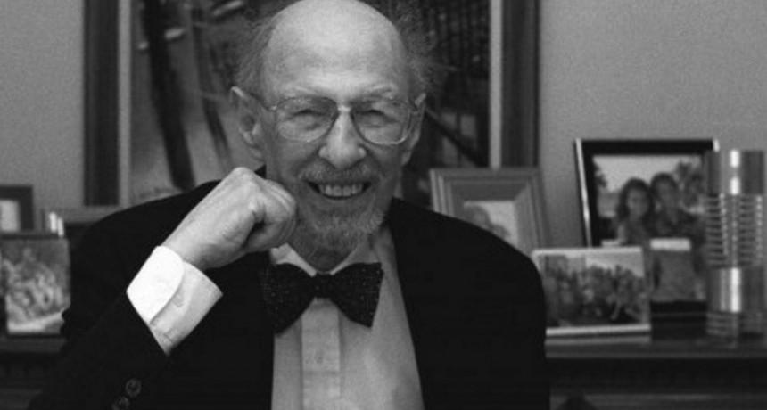 A los 93 años falleció Fernando Corbató, el impulsor del inicio de sesión