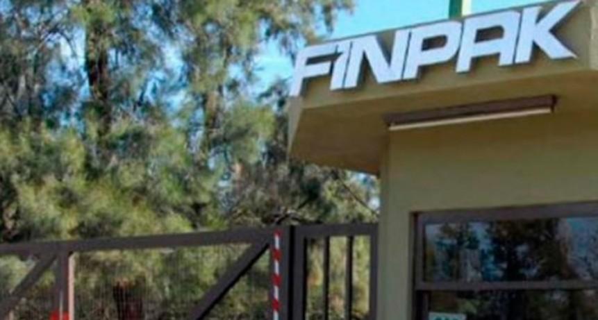 32 obreros de FINPAK fueron suspendidos y cobraran solo un porcentaje de su sueldo