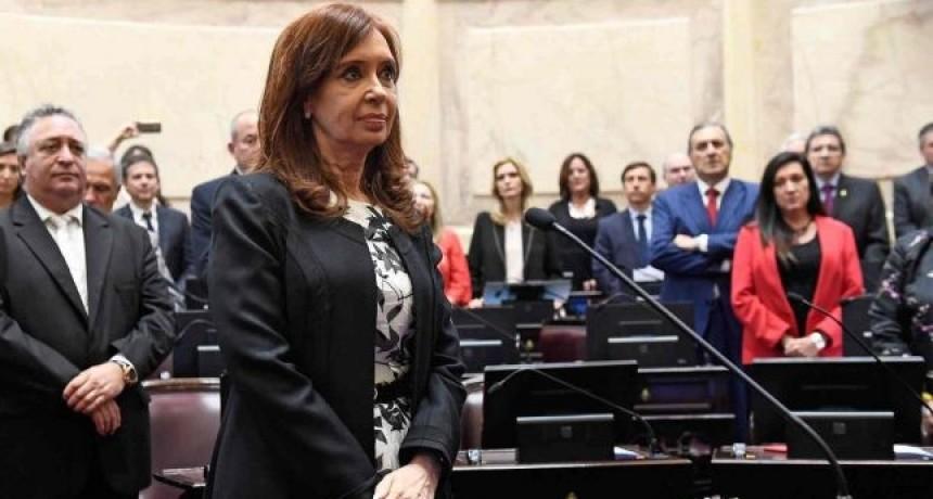 El bloque del PJ daría el aval para que allanen los domicilios de Cristina Kirchner