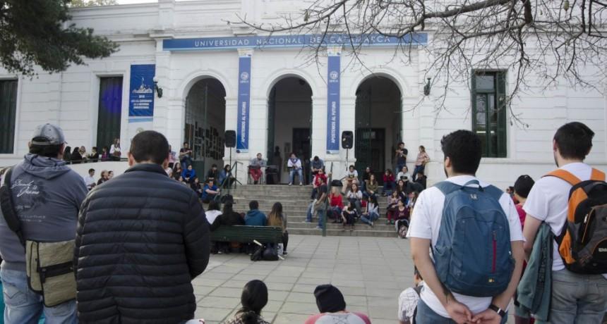 Sin acuerdo paritario: Continúan las medidas de fuerza en la UNCa