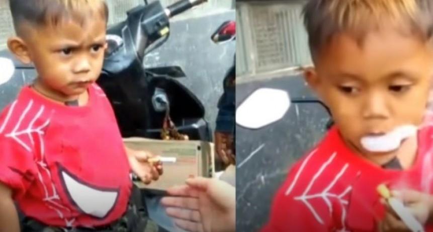 Tiene 2 añitos y fuma 40 cigarrillos por día: sus papás le convidan