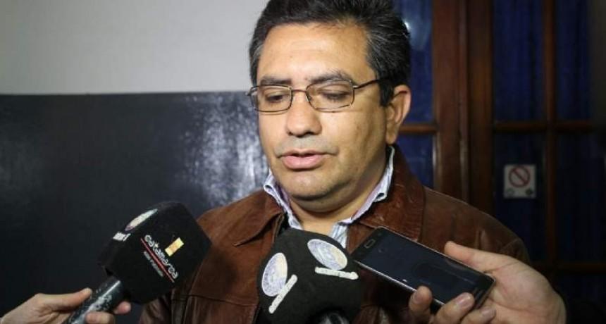 Municipales quieren un aumento antes que se vaya Páez