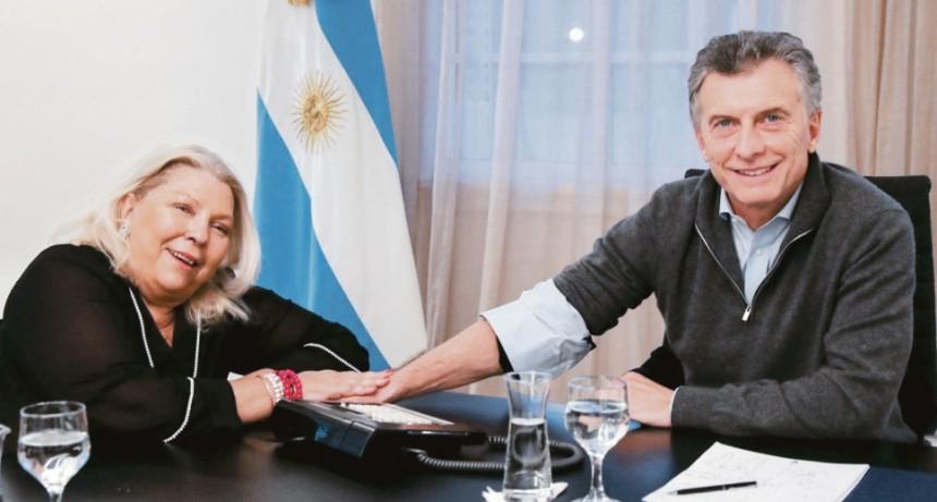 Carrió se reunió con Macri para analizar correcciones políticas y económicas
