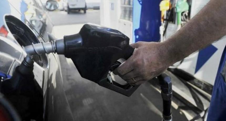 Sin acuerdo con la petroleras se aplicará la Ley de Abastecimiento para congelar el precio