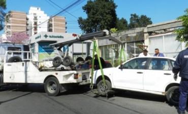 Retirarán autos que estén abandonados en la vía pública