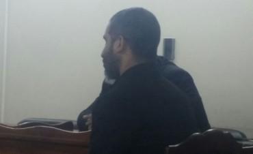 Tres años de prisión en suspenso a  profesor  abusador
