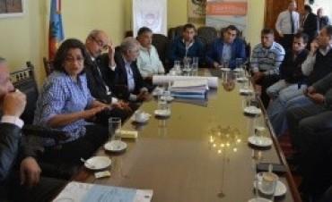 Reunión de Corpacci y Vialidad Nacional con vecinos de Bañado de Ovanta