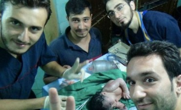 Médicos salvan una niña que nació con un proyectil en la cara