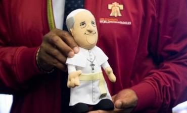 EE.UU: Muñecos, cerveza y queso del papa Francisco, mirá todo lo que se vende